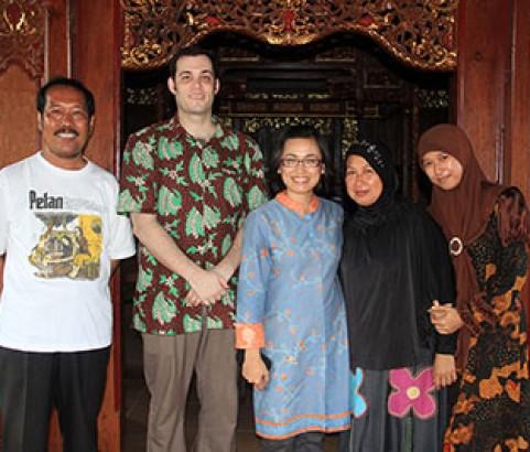 Kunjungan WIsatawan Asing & Lokal